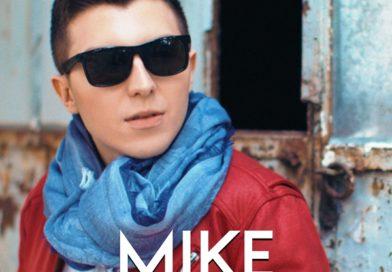 Mike o dă pe un videoclip…sexi. Vezi noul lui videoclip și ascultă piesa!