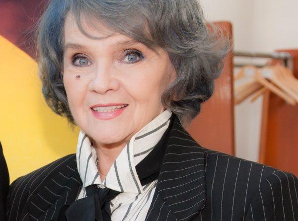 """Margareta Pâslaru vine la """"Cerbul de Aur"""""""