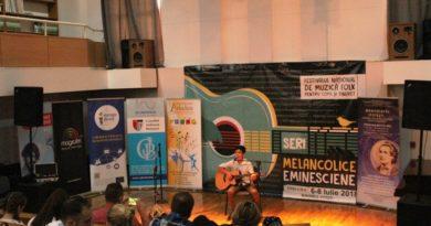 Festivalul Seri Melancolice Eminesciene,  o ediție cu un recital sublim și zeci de tineri pasionați de folk. Vezi palmaresul ediției!