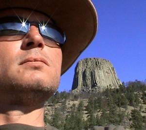 Doru Căplescu la Devil's Tower in SUA, în 2002 (Arhivă familia Căplescu)
