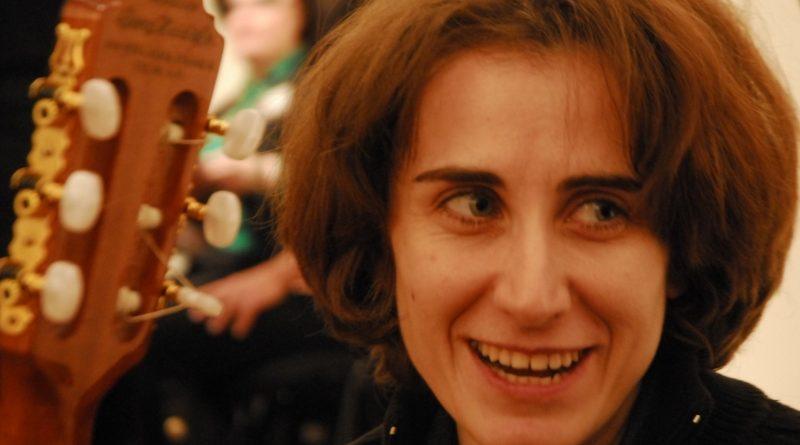 Cantautoarea Ada Milea și-a luat doctoratul. Vezi o cronică despre asta din România literară!