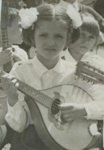 Cantand la mandolina, la Onesti.