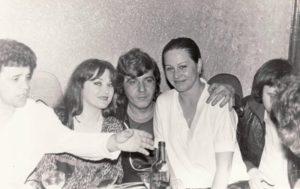 Alături de Mihaela Runceanu (stânga). Arhiva familiei Runceanu