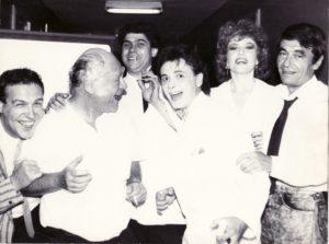 De la stânga la dreapta: Gabriel Cotabiţă, George Grigoriu, Ionel Tudor, Adrian Daminescu, Corina Chiriac, Dan Spătaru, la Festivalul Mamaia 1988. Sursa: arhiva foto Corina Chiriac.