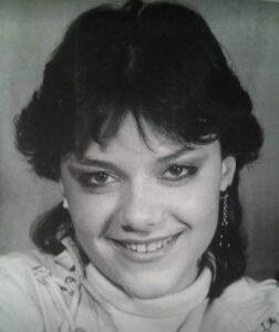 În anii'80. Fotografie preluată de pe pagina de Facebook a artistei.